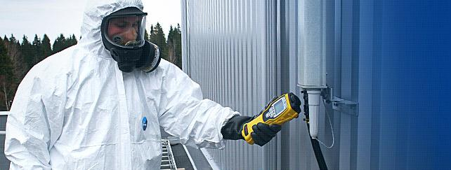Environics' ChemPro100i handheld chemical detector at use